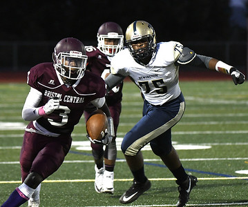 newington-football-cant-break-through-bristol-centrals-defense-loses-fourth-straight