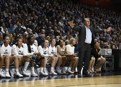 big-payoff-for-an-80s-dream-no-guarantees-when-auriemma-arrived-at-uconn