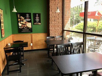 new-pizzeria-in-newington-creating-lots-of-buzz-among-residents