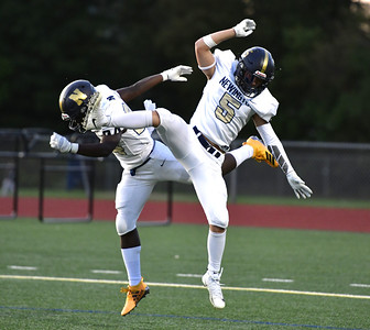 newington-football-scores-five-firsthalf-touchdowns-in-rout-of-bristol-eastern