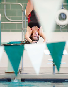 from-gymnast-to-diver-berlins-whiteside-showing-off-skills-on-board