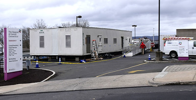 covid-trailer-opens-at-hospital-of-central-connecticut-hartford-healthcare-expects-surge-of-patients-over-next-two-weeks