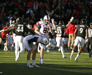 uconn-football-season-ends-with-loss-after-missed-extra-point