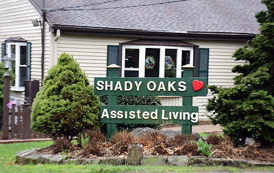 shady-oaks-staff-moves-into-facility-to-better-treat-residents-during-pandemic