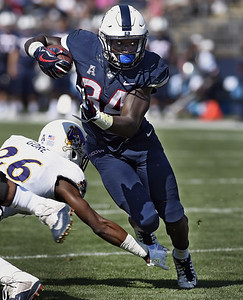 uconn-football-will-try-to-get-by-with-twoman-backfield-this-season