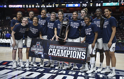 no-1-uconn-womens-basketball-routs-usf-to-claim-fifth-consecutive-aac-tournament-title