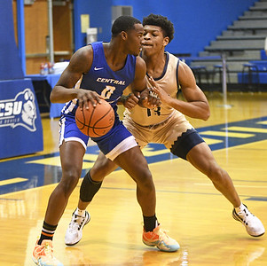 ccsu-mens-basketball-rides-late-shot-from-scantlebury-to-dramatic-victory
