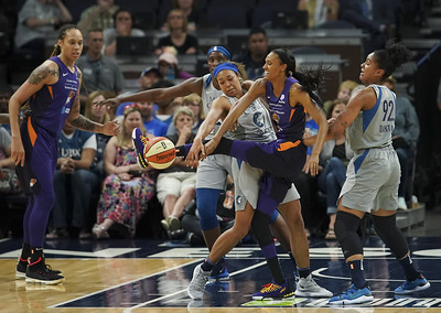 former-uconn-star-collier-learning-how-tough-wnba-is-during-rookie-season