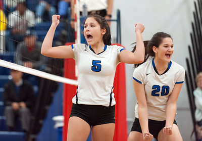 after-suffering-first-loss-of-season-southington-girls-volleyball-keeping-focus-on-class-ll-state-tournament