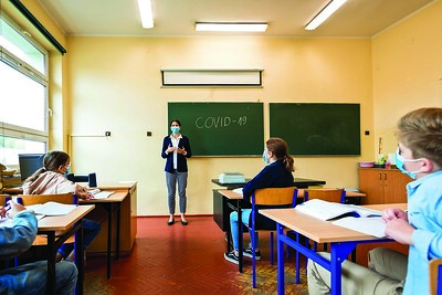 highrisk-municipalities-deciding-what-to-do-about-schools