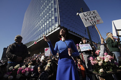 10000-take-part-in-hartford-womens-march