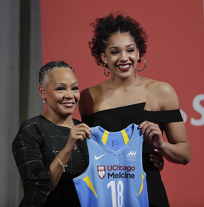former-uconn-womens-basketball-standout-williams-goes-no-4-in-wnba-draft-to-chicago-sky-south-carolinas-aja-wilson-is-top-pick