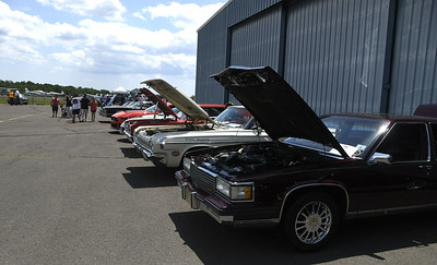 wings-and-wheels-festival-draws-steady-crowd