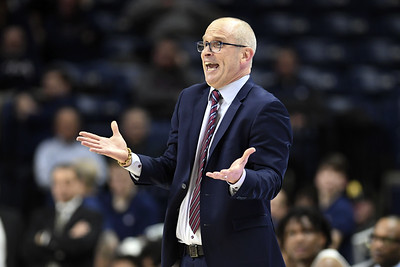 hurley-encouraged-by-effort-from-uconn-mens-basketball-over-last-two-games