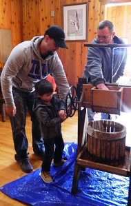 families-experience-how-to-make-an-autumn-treat-at-barnes-nature-center