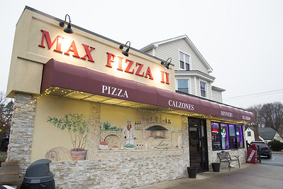 max-pizza-ii-cares-about-its-food-and-its-community