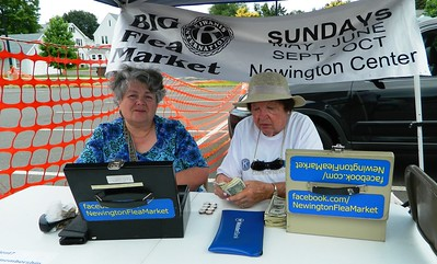 vendors-shoppers-love-the-big-k-flea-market-weatherman-not-so-much