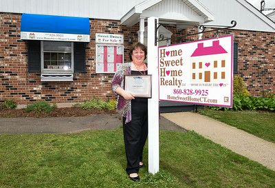 home-sweet-home-realty-honored-with-award