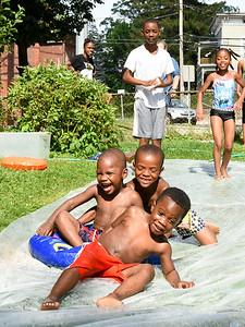 heat-wave-hits-city-cooling-centers-pools-open