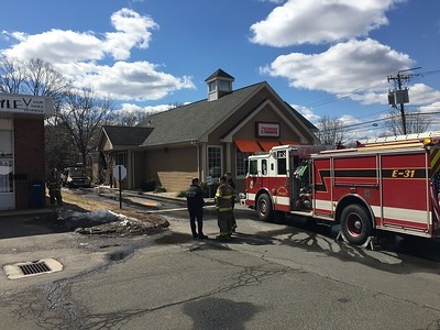 vehicle-fire-damages-dunkin-donuts-in-southington