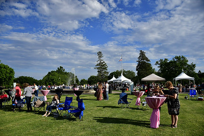 guests-dine-drink-and-dance-at-new-britain-rose-garden-festival