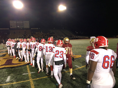 skates-throws-four-touchdowns-as-berlin-football-beats-new-britain-in-wishbone-bowl-to-secure-spot-in-class-l-playoffs