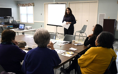 plainville-seniors-get-a-dose-of-expert-info-on-opioids