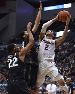 uconn-mens-basketball-beats-ucf-to-avoid-fourth-straight-losing-season