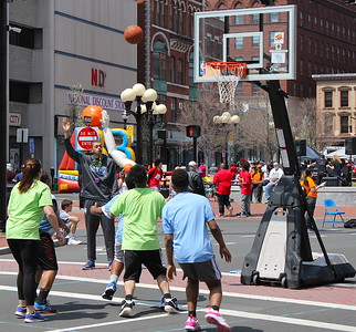 teams-will-shoot-hoops-to-help-the-homeless