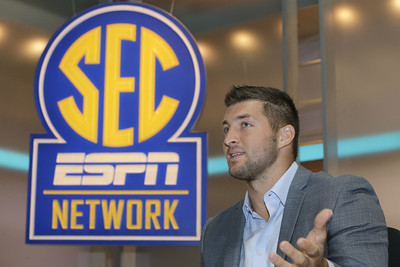 tebow-signs-new-multiyear-contract-extension-as-analyst-for-espn
