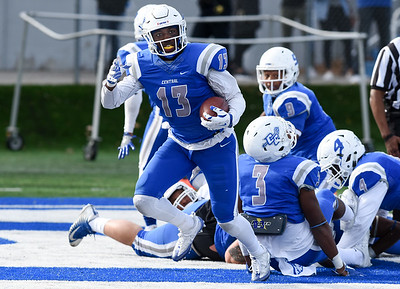 before-heading-off-to-playoff-tourney-ccsu-football-closes-home-slate-with-robert-morris