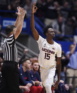 wilson-making-most-of-opportunity-with-uconn-mens-basketball