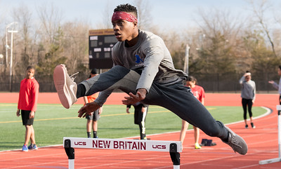 williams-grew-into-leader-during-final-year-with-new-britain-track-team