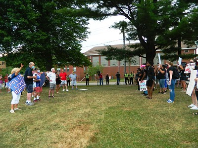 protesters-go-head-to-head-at-newington-park