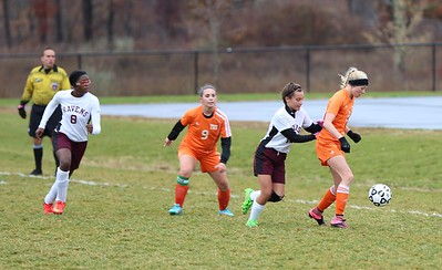 innovation-girls-soccer-drops-first-match-of-season-after-being-shut-out-by-east-hampton