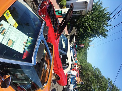 the-parade-was-fun-but-this-is-more-fun-cruising-newington-has-successful-return-to-market-square