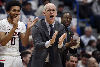 uconn-mens-basketball-rolls-into-texas-for-aac-tournament