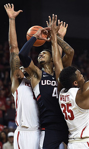 uconn-mens-basketball-believes-it-can-win-aac-tournament