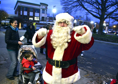 santa-has-southingtons-barnes-museum-on-his-list-for-visit
