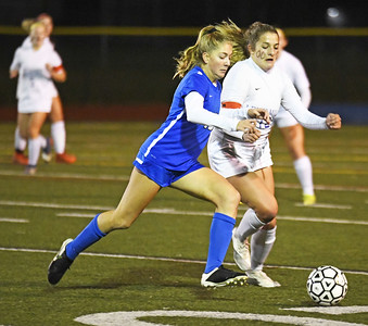 southington-girls-soccer-routs-lewis-mills-to-win-ccc-regional-title-complete-perfect-season