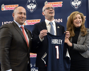 taking-uconn-mens-basketballs-head-coaching-job-is-dream-come-true-for-hurley