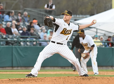 new-britain-bees-bring-back-lefthander-outman-after-reliever-higgins-has-contract-purchased-by-seattle-mariners-organization