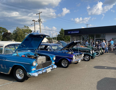 first-car-show-at-powerhouse-motorsports-a-big-success-with-plainville-community