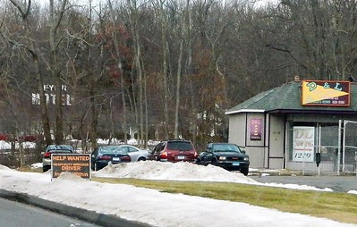 other-towns-watch-as-newington-grapples-with-signage-issue