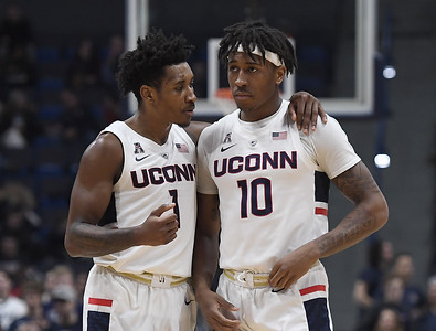 uconn-mens-basketball-needs-new-adams-to-step-up