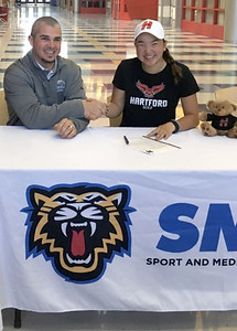 plainville-native-smsa-student-tully-commits-to-play-golf-at-university-of-hartford
