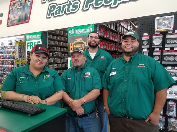 Manuel Auto Parts >> New Britain Herald Manager Is Glad Auto Parts Chain Is Now