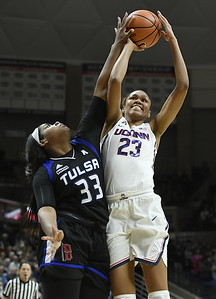 stevens-comes-off-bench-to-lead-uconn-womens-basketball-in-win-over-tulsa