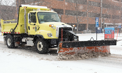 parking-bans-in-place-as-snowstorm-nears