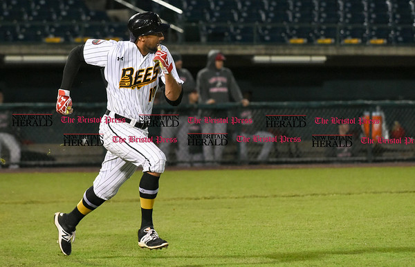 042617 Wesley Bunnell | Staff New Britain Bees vs Lancaster Barnstormers on Wednesday evening. Mike Crouse (10)